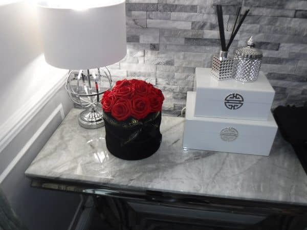 EVERLASTING ARTIFICIAL RUBY RED ROSES BOX
