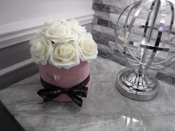 EVERLASTING ARTIFICIAL CLASSY OFF-WHITE ROSES BOX