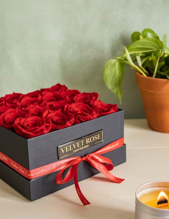 THE PRESTIGE BOX OF ROSES – ETERNITY REAL PRESERVED ROSES