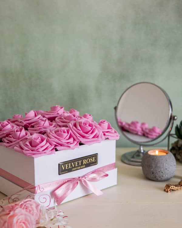 THE EVERLASTING BOX OF ROSES