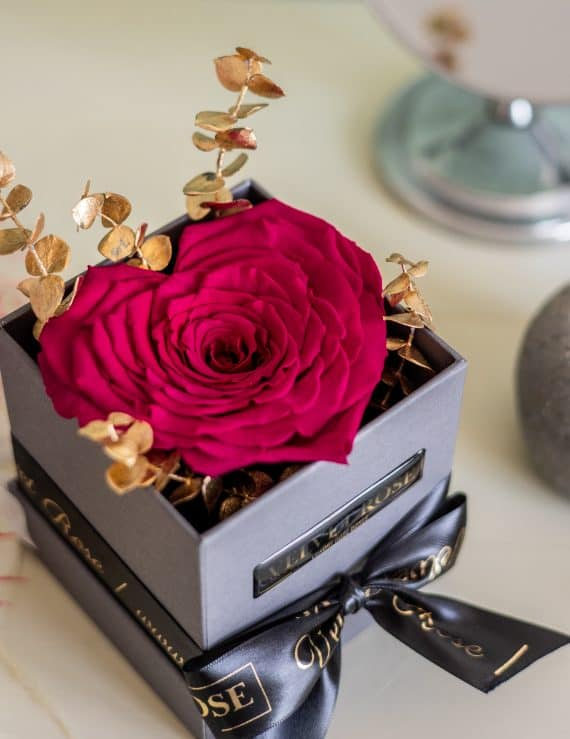 FUSCHIA – HEART SOLO ROSE BOX – EXTRA LARGE ETERNITY REAL PRESERVED ROSES