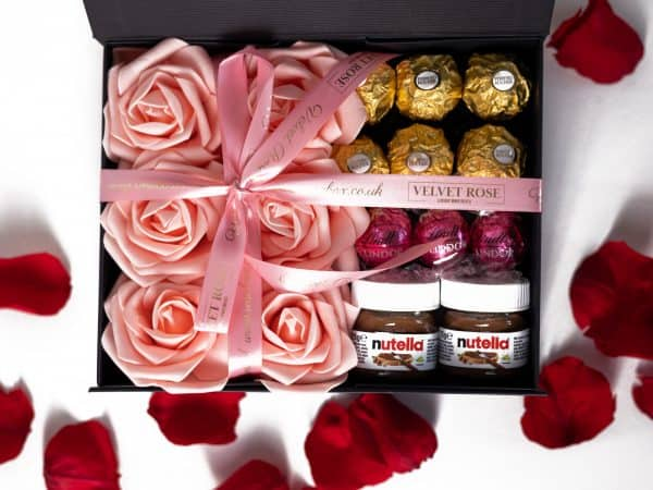 Chocolate & Roses Medium Gift Box